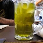 Iced tea sabor maça, que parece limão mas tem gosto de tamarindo